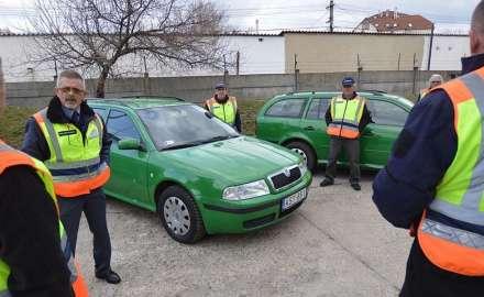 Használt gépjárműveket kaptak a polgárőrök a rendőrségtől forrás: BAON.HU